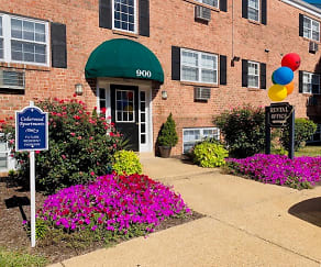Cedarwood Apartments, Brookside, DE