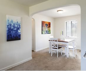 Dining Room, Evergreen Apartments At New Castle Crossing