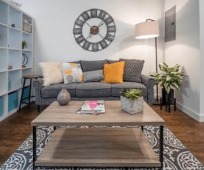 Living Room, Vida East