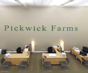 Leasing Office, Pickwick Farms