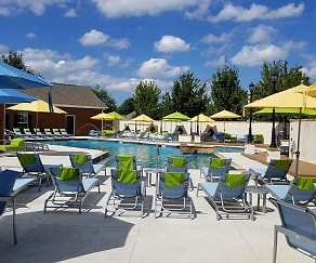 Pool, Landing at Willow Bayou Apartment Homes