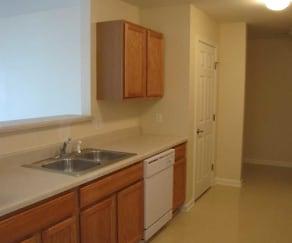 Kitchen, Auburn Trace