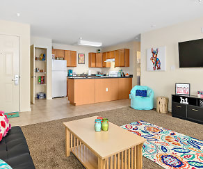 Living Room, Arden's Run-Student Apartments