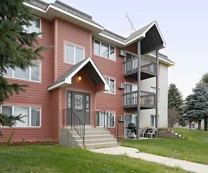 Building, Woodridge Apartments