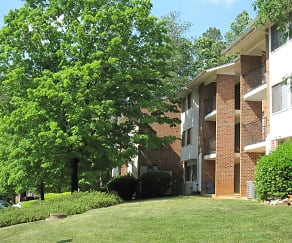 Landscaping, Chatham Forest Apartments & Townhomes