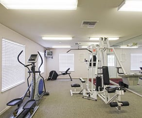 Fitness Weight Room, Burkeshire Pointe Apartments