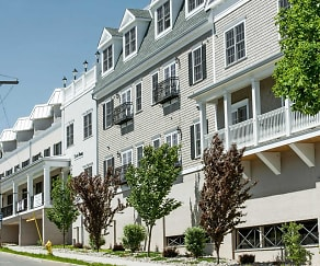 Metro Point Apartments, Woodmont, CT