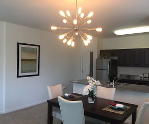 Dining Area, RiverWatch Apartments
