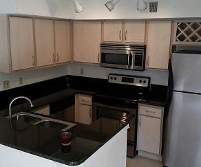 Kitchen, 7360 Westpointe Blvd Apt 126