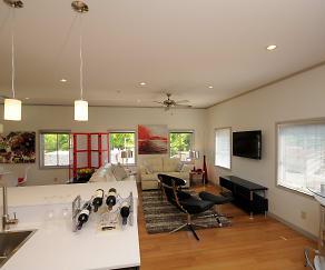 Solo Luxury Apartments, 38655, MS