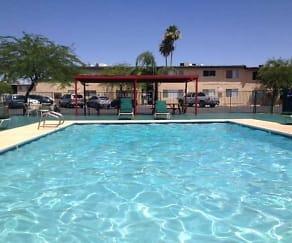 Pool, Mesa Summit