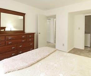 Bedroom, Creekside South