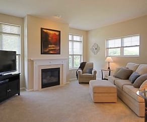 Living Room, Lake Hazeltine Woods