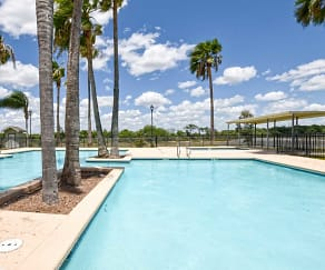 Pool, La Herencia Apartments