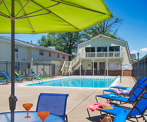 Pool, Addison Place Apartments of Evansville