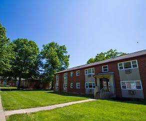 Courtyard, Rock Springs Apartments