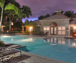 Pool, South Pointe Apartments