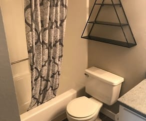 Bathroom, Cottonwood Terrace
