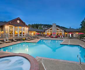 Pool, Altamont Summit