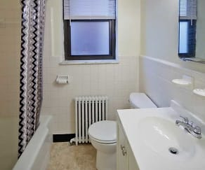 Bathroom, South Windsor Apartments