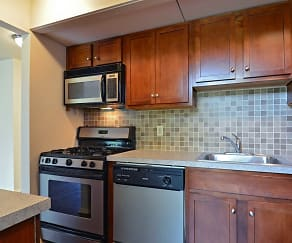 Kitchen, Central Park Townhomes