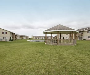 Recreation Area, Blue Heron Ponds Apartments