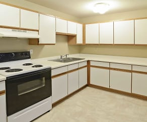 Kitchen, Pine Tree Park Apartments