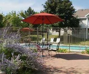 Pool, Windsong Country Estate Apartments