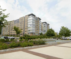 Building, Rivers Edge at Port Imperial