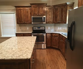 Kitchen, 13108 County Road 4110