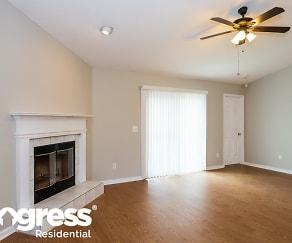 Living Room, 522 Summit Dr