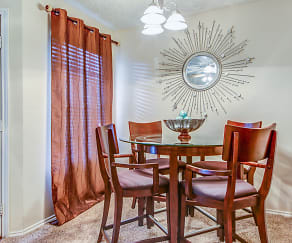 Dining Room, Shiloh Oaks