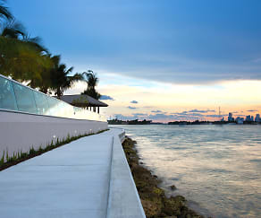 Take a stroll along the baywalk on Biscayne Bay, Flamingo Point South Tower