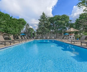 Pool, Somerset Park Apartments