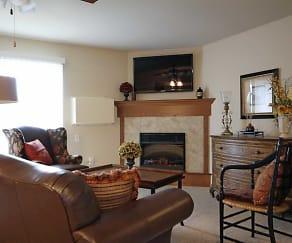 Living Room, Blue Heron Ponds Apartments