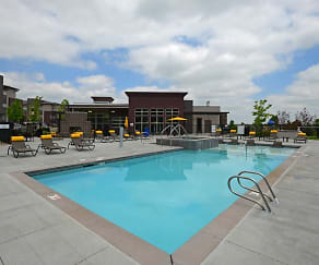 Pool, Green Leaf RockVue