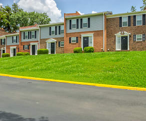 Building, Live Oaks at 275