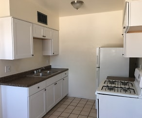 Kitchen_08062018, 217 W Jacinto St Apt C