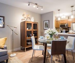 Dining Room, Residences at Riverwalk