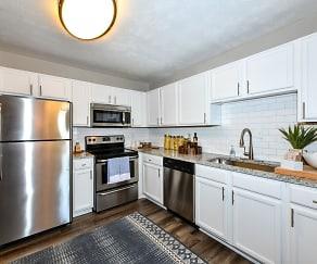 Kitchen, 550 Abernathy Apartments