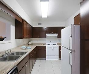 Kitchen, The Lodge at Woodlake