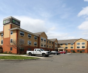 Building, Furnished Studio - Hartford - Meriden