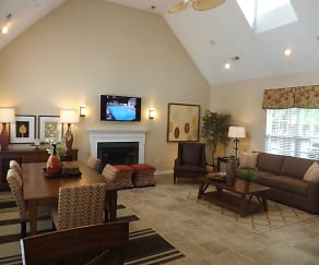 Living Room, Arbor Lake