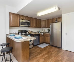 Kitchen, Regency Club Townhomes & Apartments