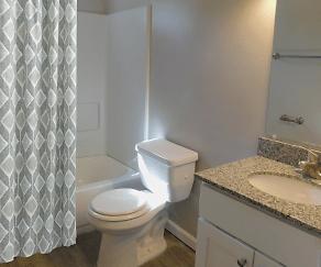 Bathroom, Creekside South Apartments