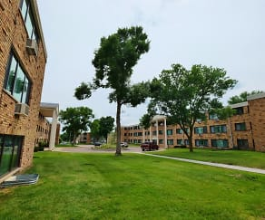 Aquila Park Apartments, Aquila Park Apartments