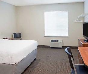 Bedroom, WoodSprings Suites Dickinson