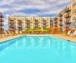 Pool, Wheaton 121