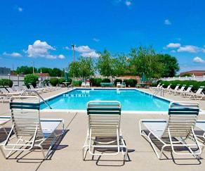 Pool, Pine Run Townhomes
