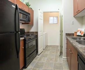Kitchen, Homecoming At Creekside